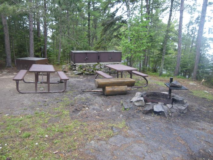 R63 - Loon BayR63 - Loon Bay campsite on Rainy Lake