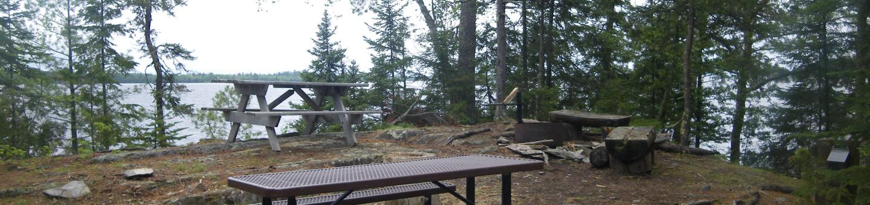 R72 - Rock ShelfR72 - Rock Shelf campsite on Rainy Lake