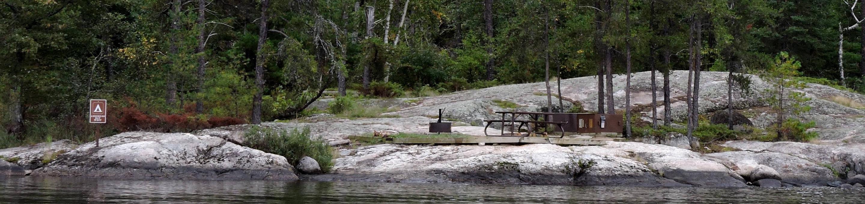 R90 - Anderson Bay WestR90 - Anderson Bay West campsite on Rainy Lake