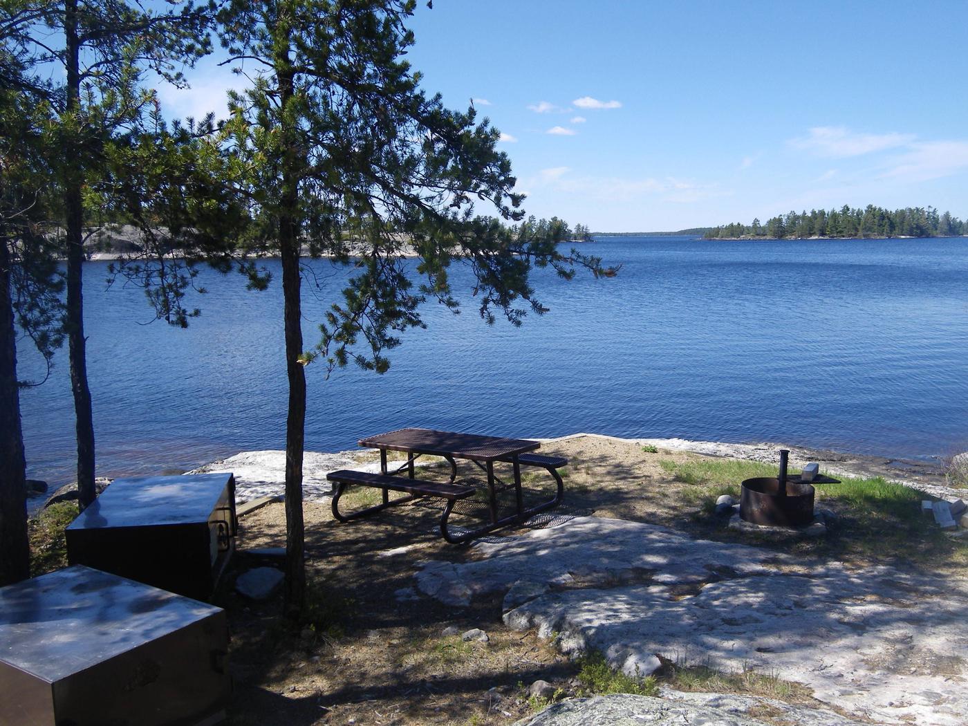 R90 - Anderson Bay WestR90 - Anderson Bay West campsite