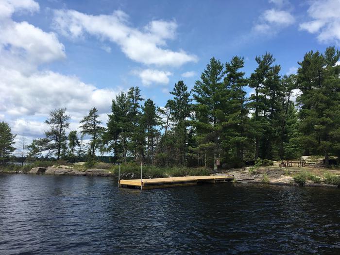 R102 - Nelson IslandR102 - Nelson Island campsite on Rainy Lake