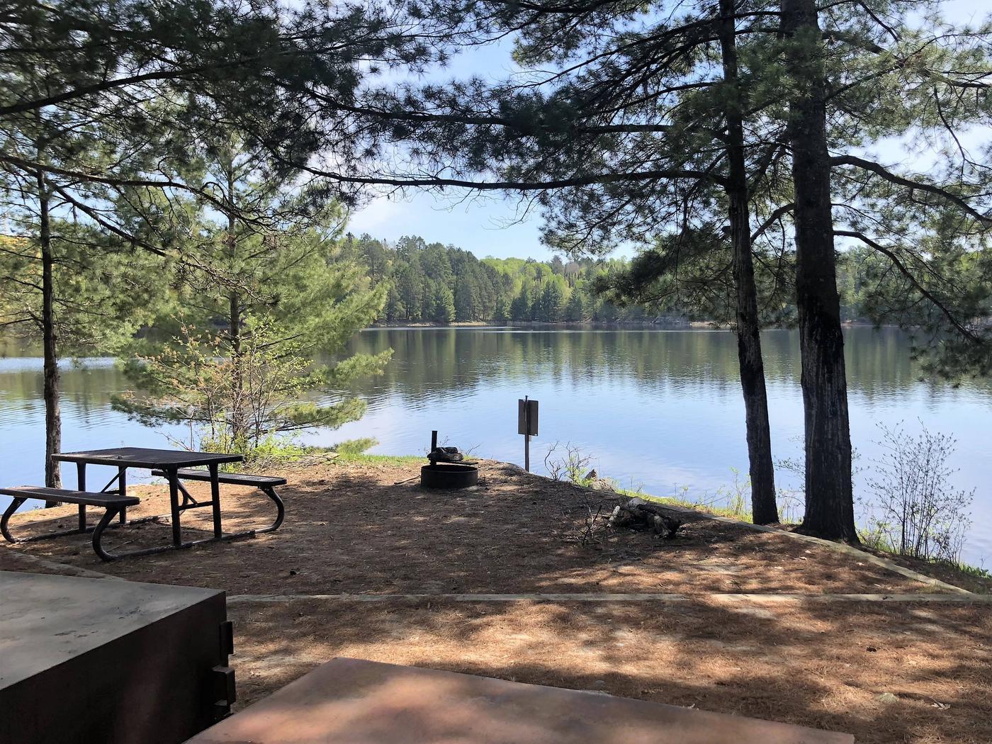 K19 - Lost LakeK19 - Lost Lake campsite on Kabetogama Lake