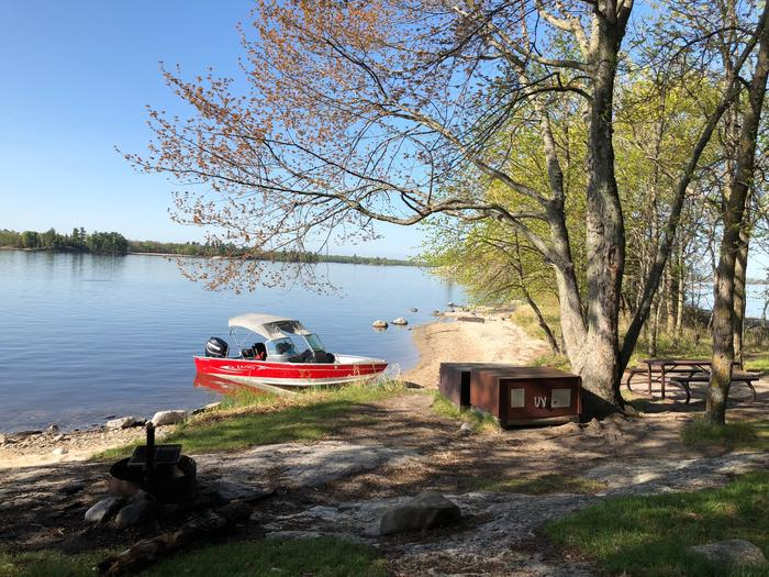 K21 - Maple PointK21 - Maple Point campsite on Kabetogama Lake