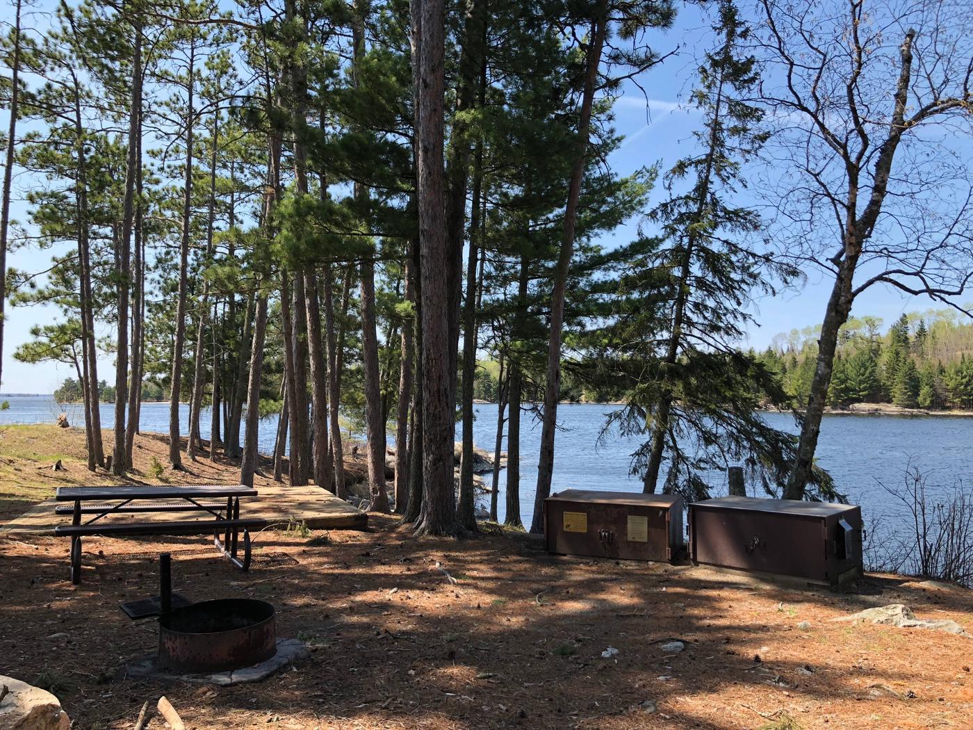 K30 - Shelter BayK30 - Shelter Bay campsite on Kabetogama Lake