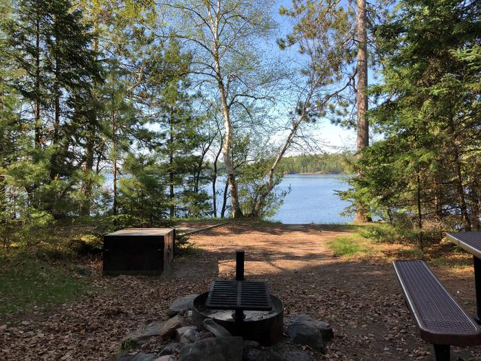 K50 - Fox FarmK50 - Fox Farm campsite on Kabetogama Lake