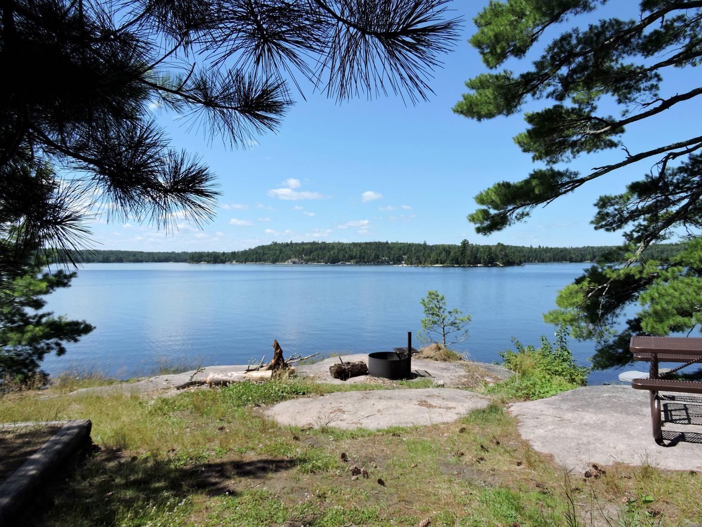 S5 - Feldt ChannelS5 - Feldt Channel campsite on Sandpoint Lake