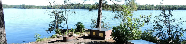 S9 - Houseboat Island WestS9 - Houseboat Island West campsite on Sandpoint Lake