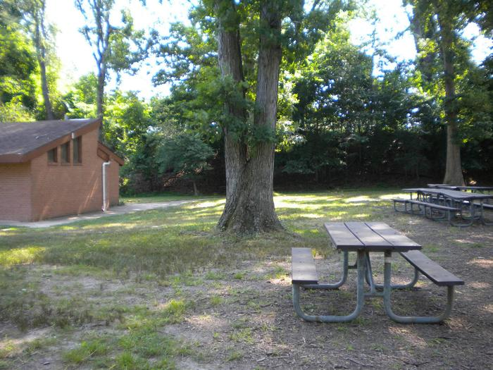 Photo of restroom building next to Picnic Area B1Area B1 is located next to the restroom