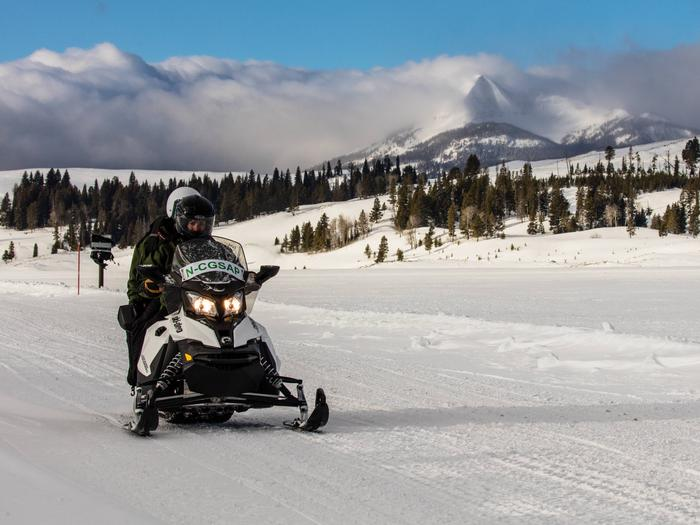 Preview photo of Yellowstone Non-Commercially Guided Snowmobile Access Program