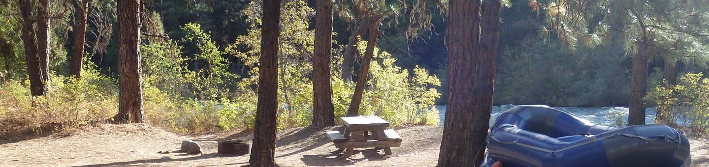 Hause Creek CampgroundSet along the Tieton River this site offers easy access and great views