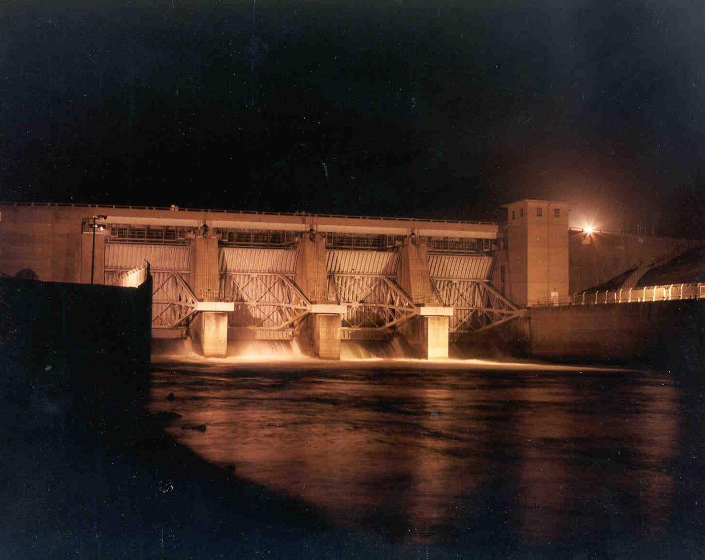 Carlyle LakeMain Dam
