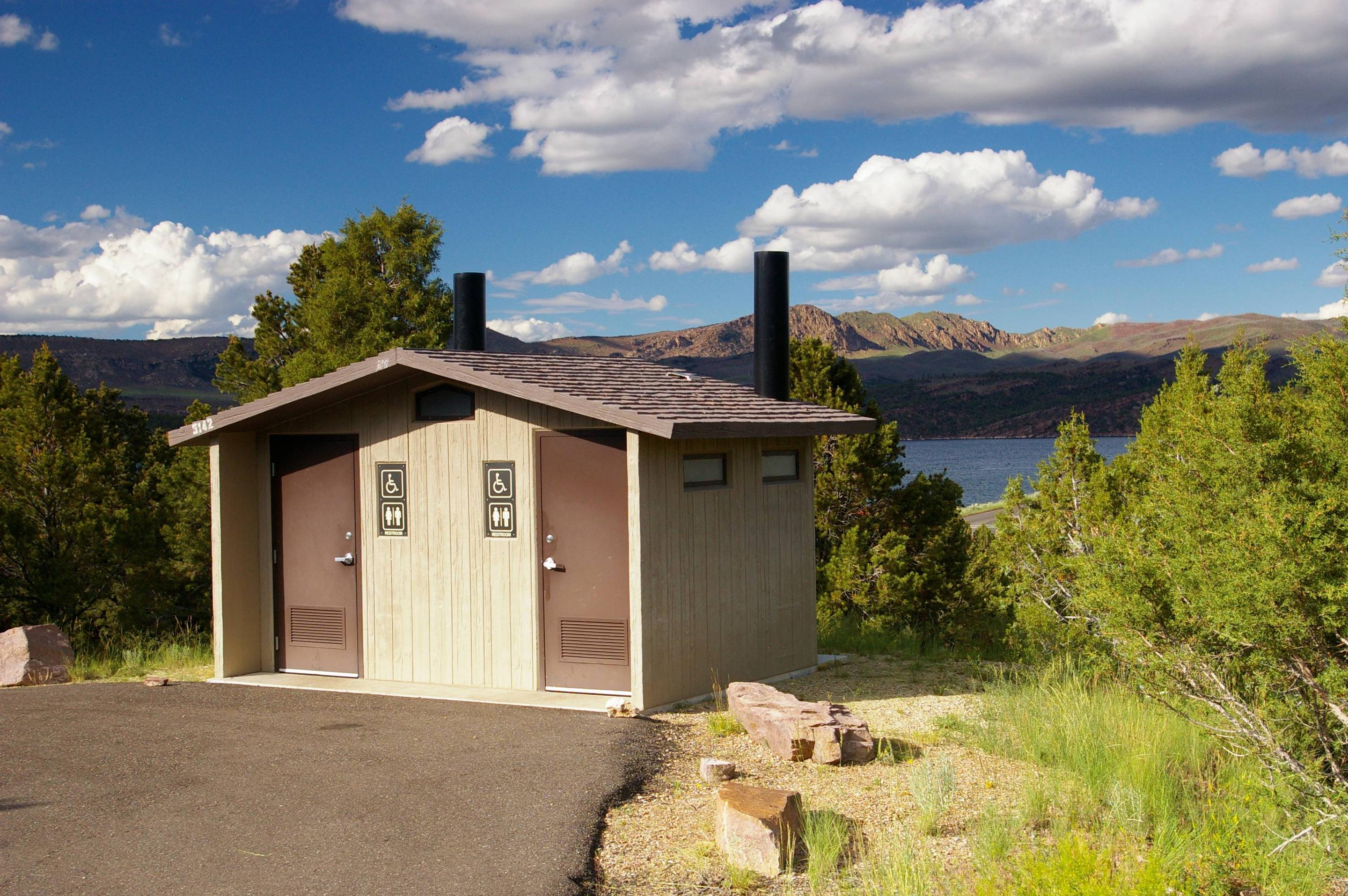 Restroom facilities at Cedar Springs Campground.  The lake can be seen in the background.Cedar Springs Campground: Restroom Facilities