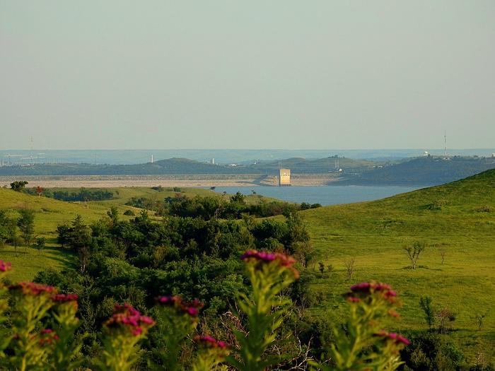 Preview photo of Tuttle Creek Lake
