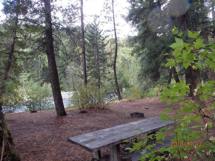 Sawmill FlatNice site with views of the Naches River