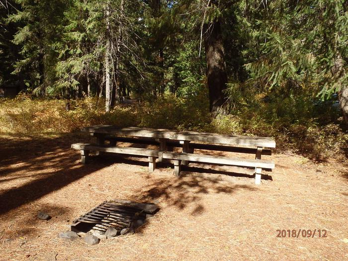 Sawmill FlatNice site with double tables