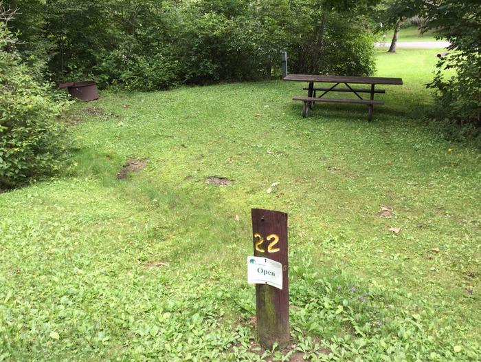 Loleta Recreation Area: Campsite 22