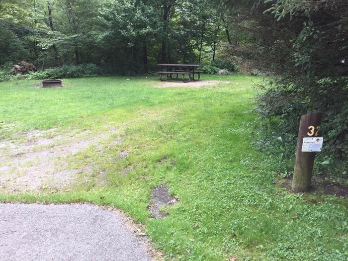 Loleta Recreation Area: Campsite 32