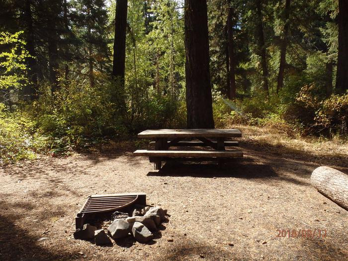 Little NachesThis site offers space for one tent or RV