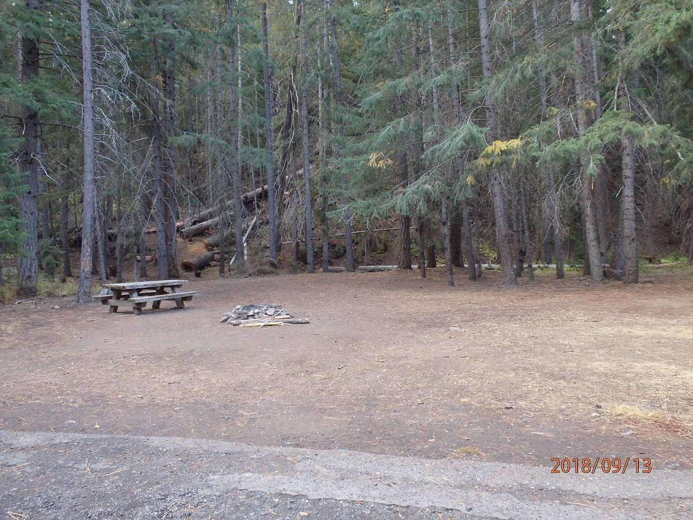 Kaner FlatOpen site offers room for tents and a pull thru loop for camp trailers