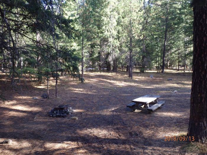 Kaner FlatOffering enough space for two tents this site makes a perfect camping spot