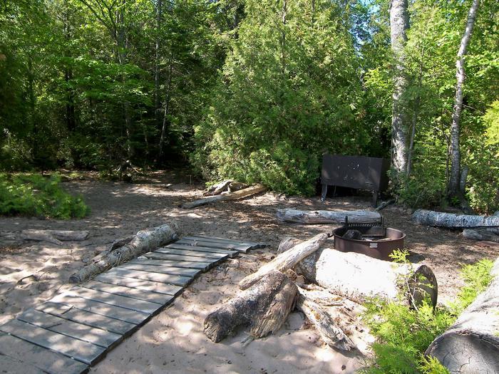 York Island site 3 campsite