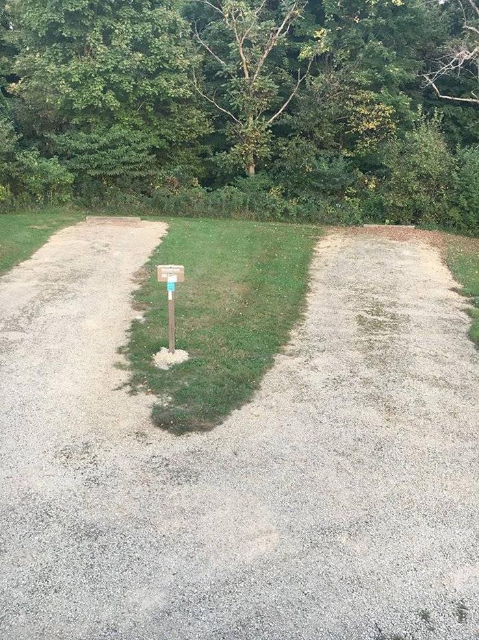E04 double driveway (entire photo)