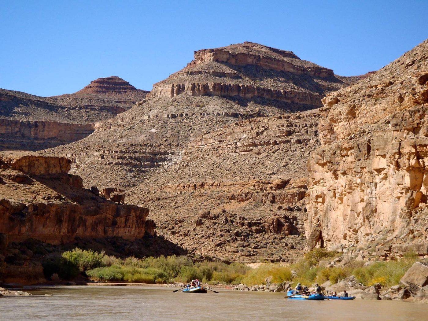 Rafts on the San Juan RiverSan Juan River