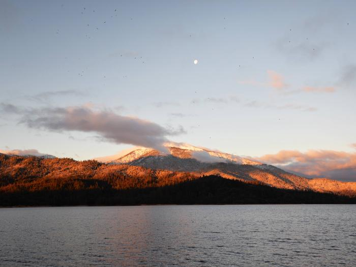 Shasta Bally at sunrise with the moon high over the peakWhiskeytown Sunrise