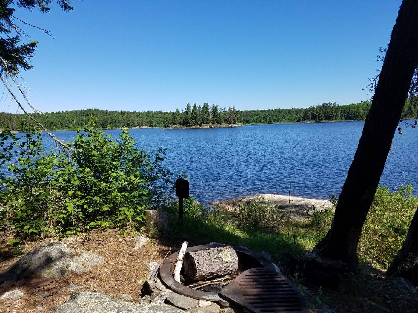 B13 - Peary Lake backcountry campsite