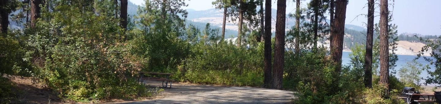 Overlooking the lakeWelcome to Hunters Campground