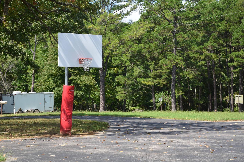 86Basketball Goal
