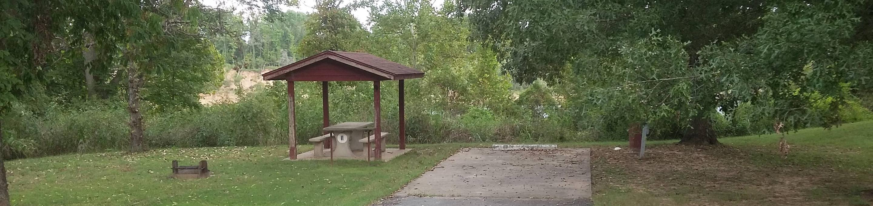 100 Yards to Shower/Restroom. 300 Yards to Arkansas River Access.Site 11