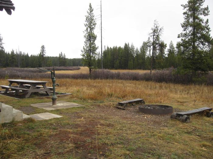Preview photo of Squirrel Meadows Cabin