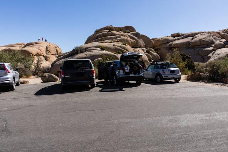 Jumbo Rocks site 5aParking space for campsite