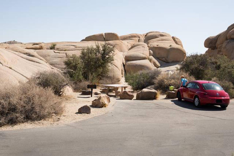 Jumbo Rocks site 9aParking space for campsite