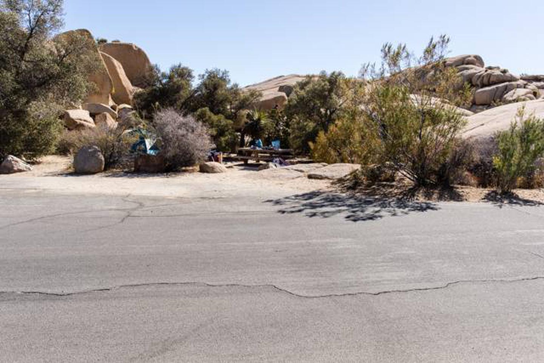Jumbo Rocks site 10aParking space for campsite
