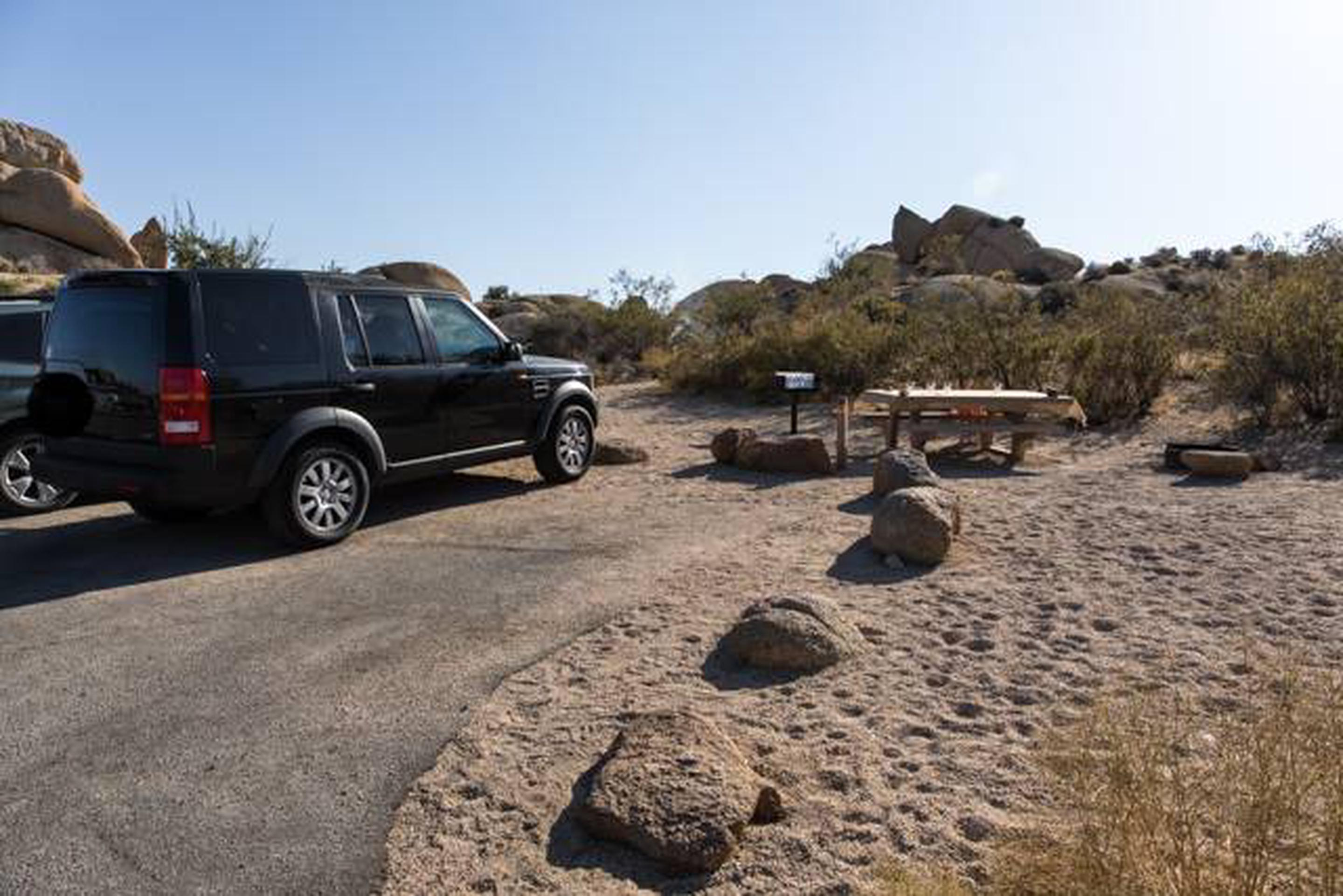Jumbo Rocks site 17Parking space for campsite