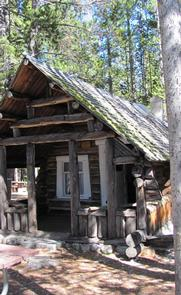 TWIN LAKES CABIN (MT)