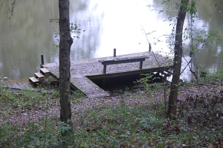 Courtesy dock on Isaac CreekCourtesy Dock on Isaac Creek
