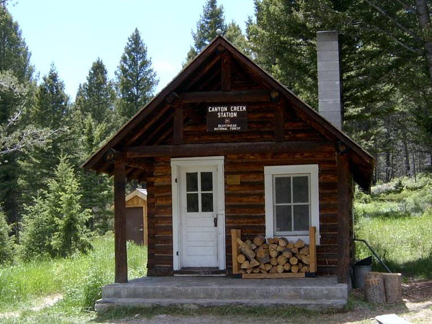 CANYON CREEK CABINSummer - Canyon Creek cabin.