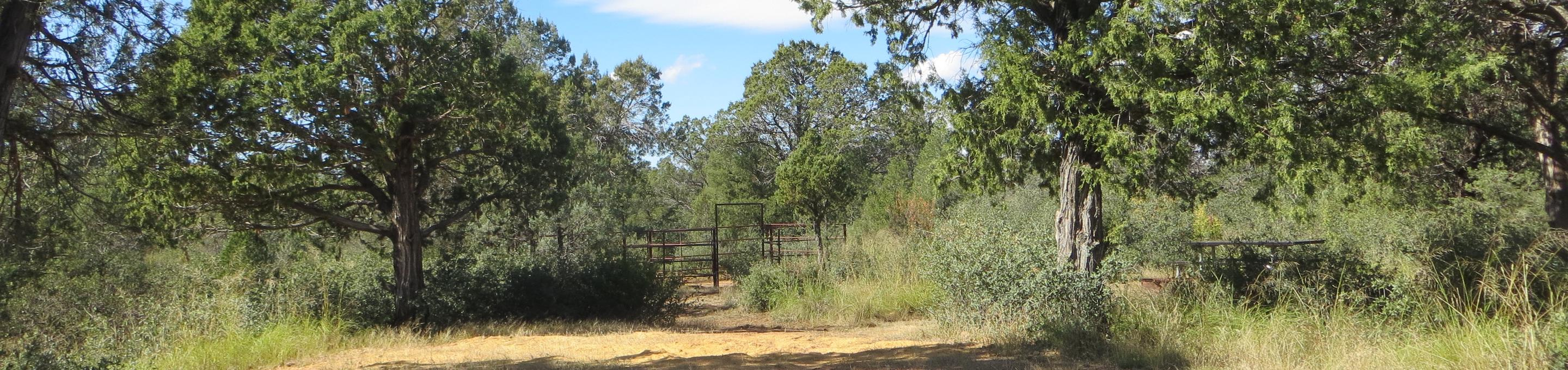 Houston Mesa, Horse Camp site #10 featuring entrance and parking, picnic area and horse corral.