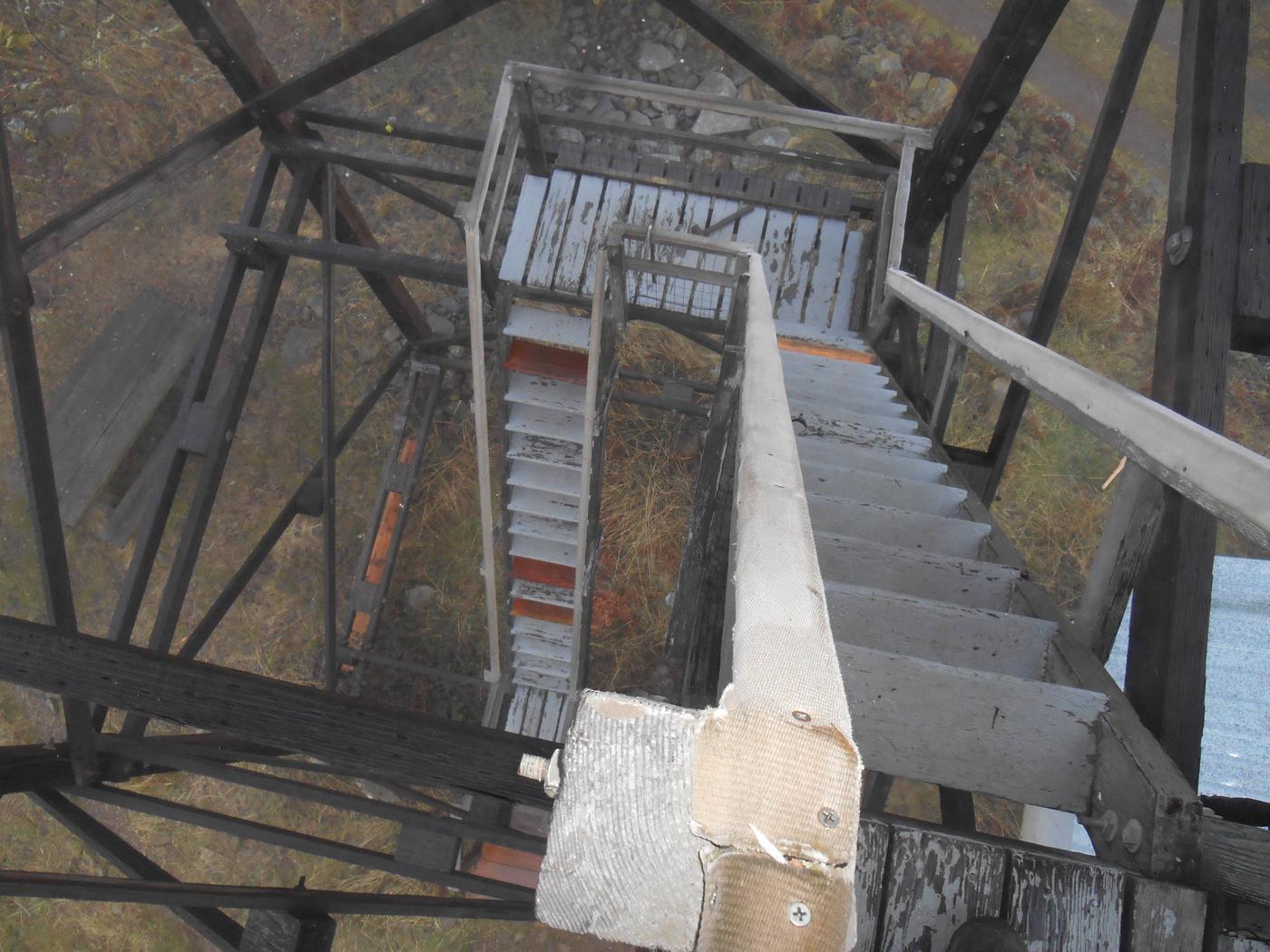 PICKETT BUTTE LOOKOUTPickett Butte tower