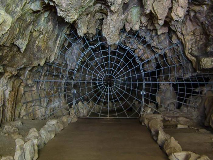 Preview photo of Crystal Cave Tours Sequoia National Park
