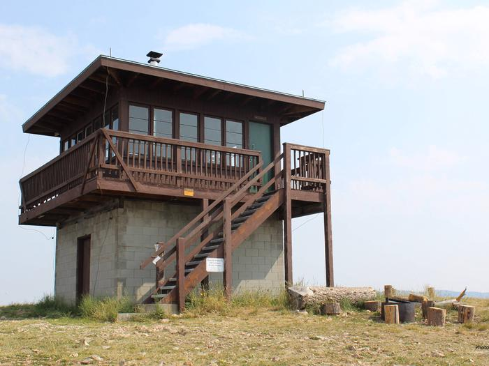 Preview photo of Garnet Mountain Fire Lookout