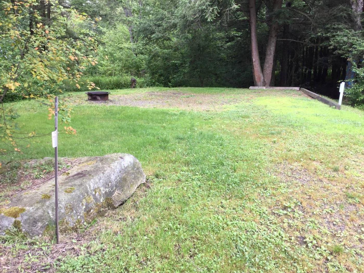 Twin Lakes Recreation Area: Site 20