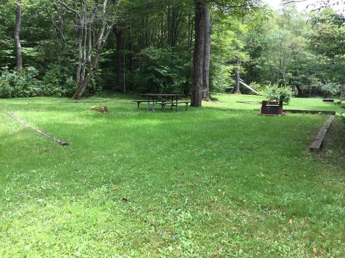 Twin Lakes Recreation Area: Site 25