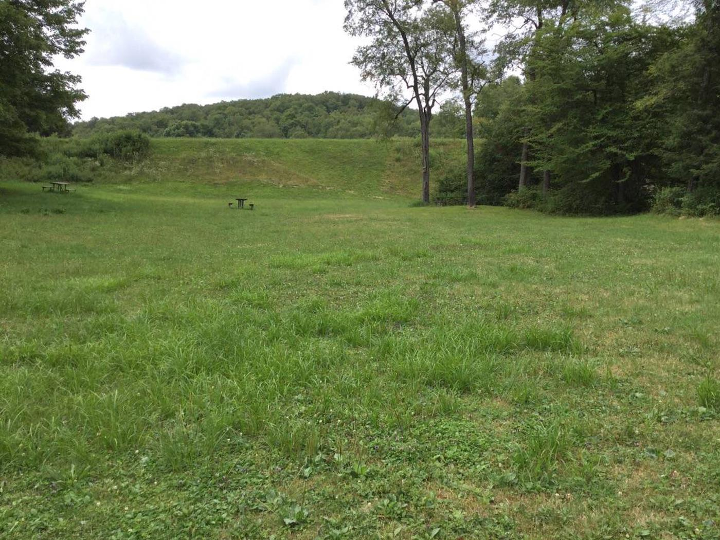 Twin Lakes Recreation Area: Lower Group Site