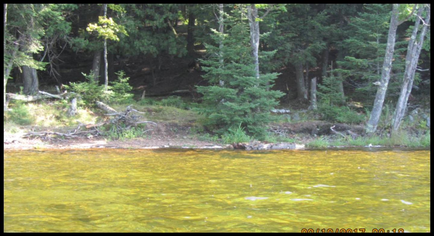 Perch 1 Landing photo.This landing is steep, large rocks are present, and presents a good swimming opportunity.