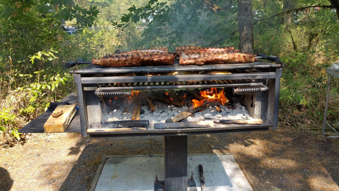 Cottonwood shelter BBQ grill