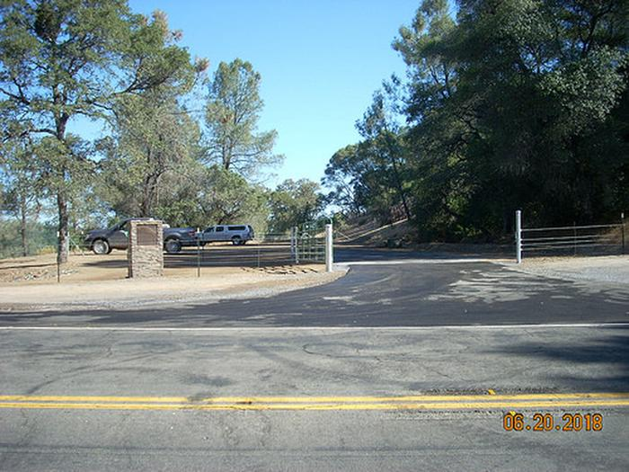 Old Flume TrailheadOld Flume Trailhead and new Parking Area on BLM along Highway 49.
